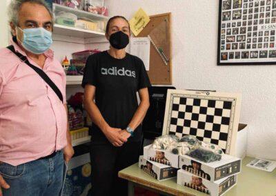 Entrega de material de ajedrez a centros de secundaria de Santa Lucía, año 2021